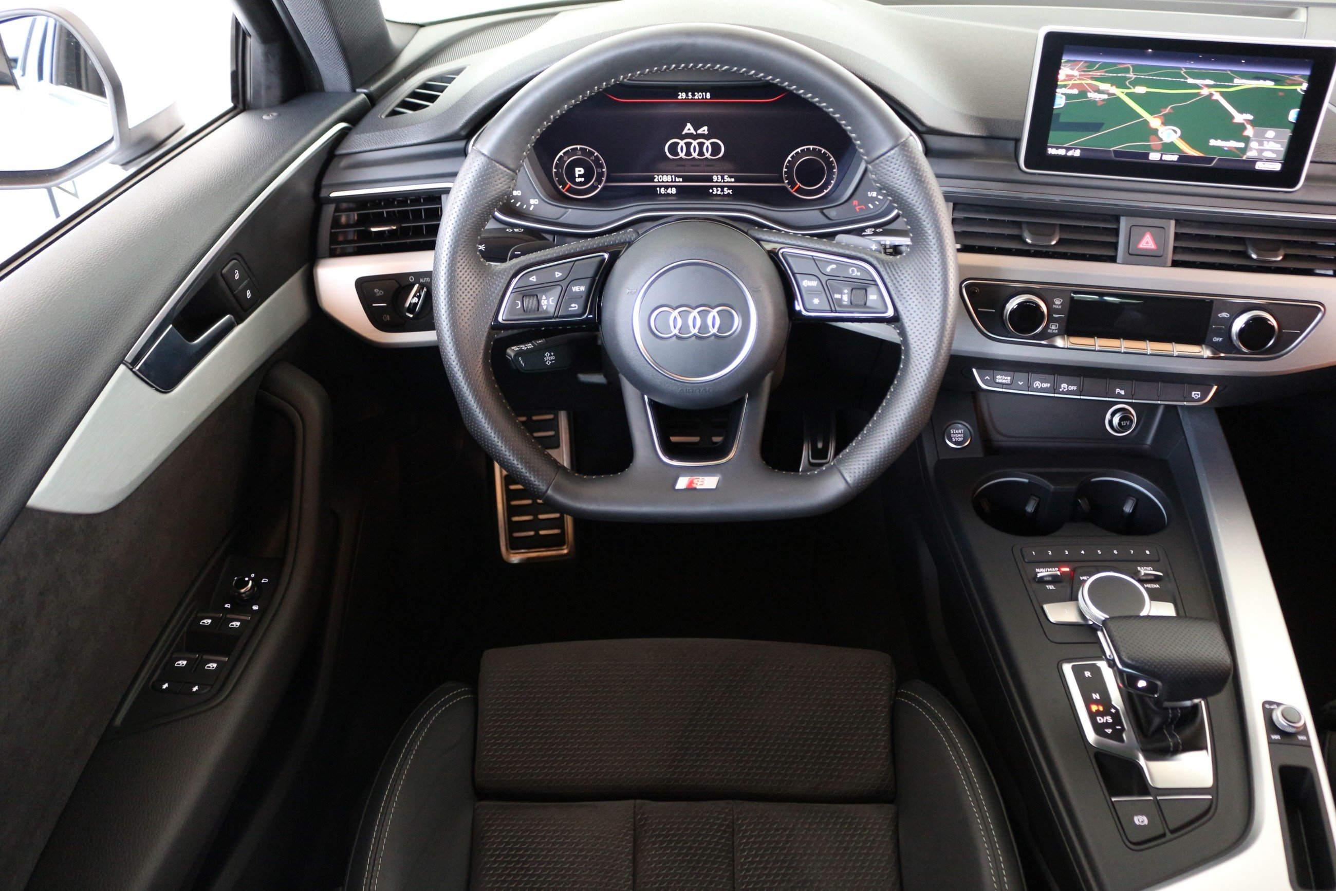 Audi a4 s line ausstattung  Used Audi A4 TDI S Line Black