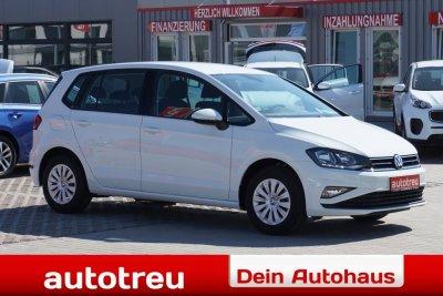 VW Golf Sportsvan Climatronic Tempomat Farbdisplay