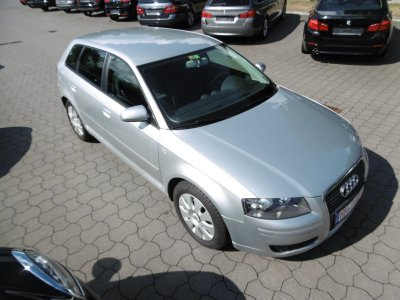 Audi A3 1.6 Sportback Attraction Klimaautomatik AHK