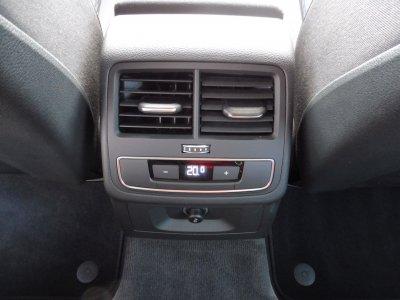 Audi A4 Avant 2.0 TDI /NAVI/SHZ/PDC/XENON*AHK*/TOP-KM