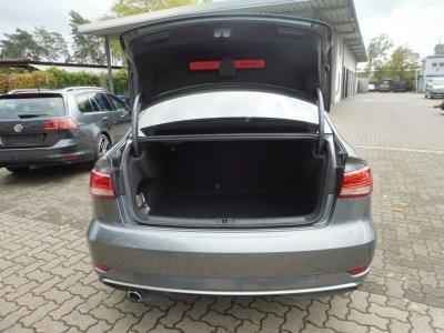 Audi A3 LIMOUSINE*SPORT* 1.6 TDI/NAV/XEN/*STHZ*AHK*