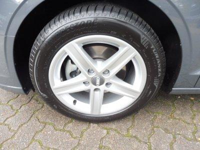 Audi A3 LIMOUSINE 1.6 TDI/PDC/NAVI/XEN/*STHZ*